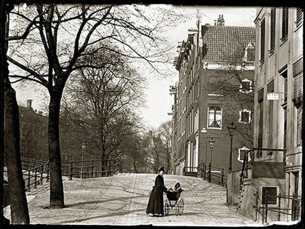 3 - 1894 kruising herengracht warmoesgracht voor aanleg raadhuisstraat