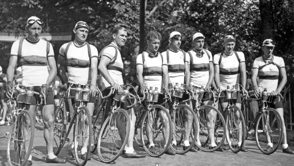 012a Nederlandse Tourploeg 1939 met Huub Sijen en Andre de Korver