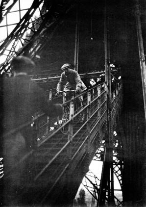 23 - Cycling-down-the-Eiffel-Tower-1932b