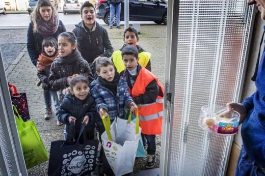 kinderen_vluchtelingen_nieuwjaarke_zoete_zingen